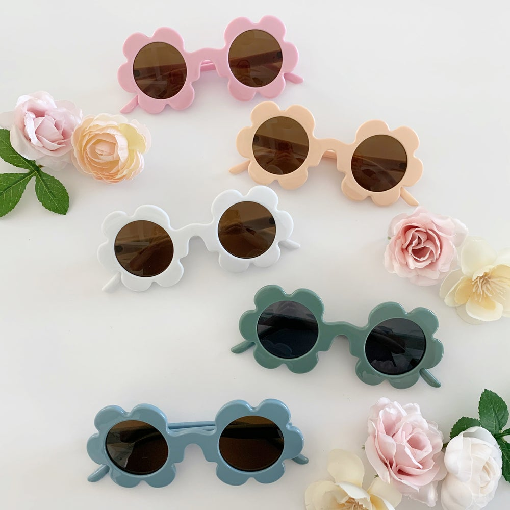 Image of Muted Color Flower Sunnies