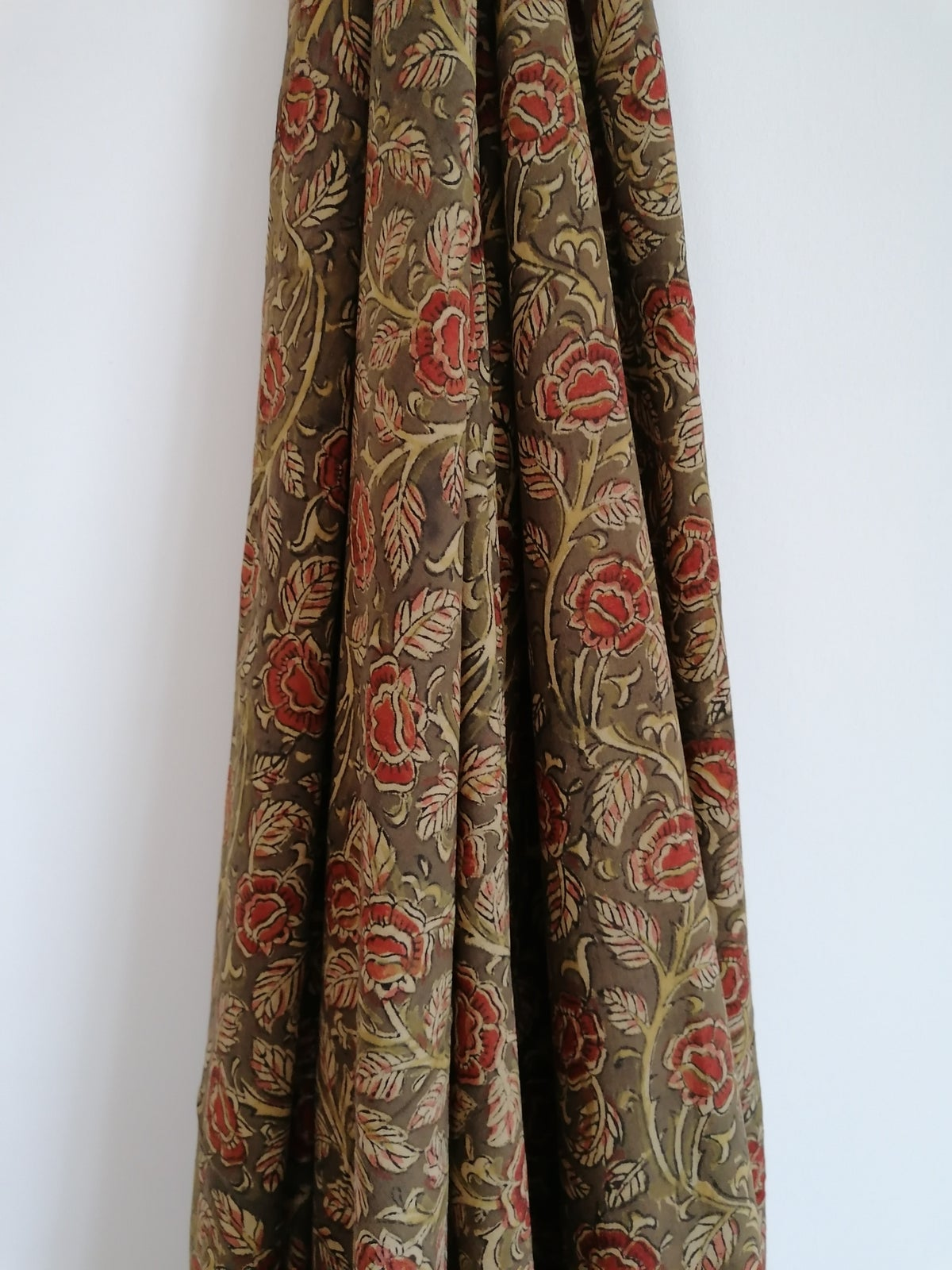Image of Namasté fabric kalamkari kaki fleurs grimpantes
