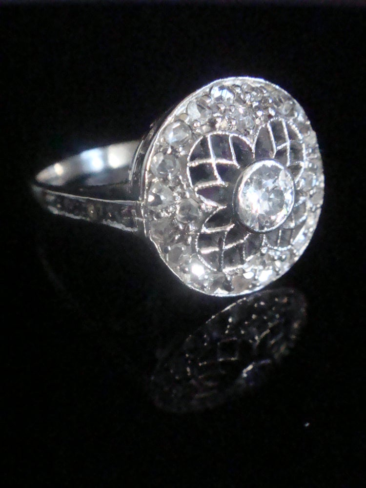 Image of EDWARDIAN PLATINUM 18CT WHITE GOLD UNUSUAL OLD CUT DIAMOND CLUSTER RING