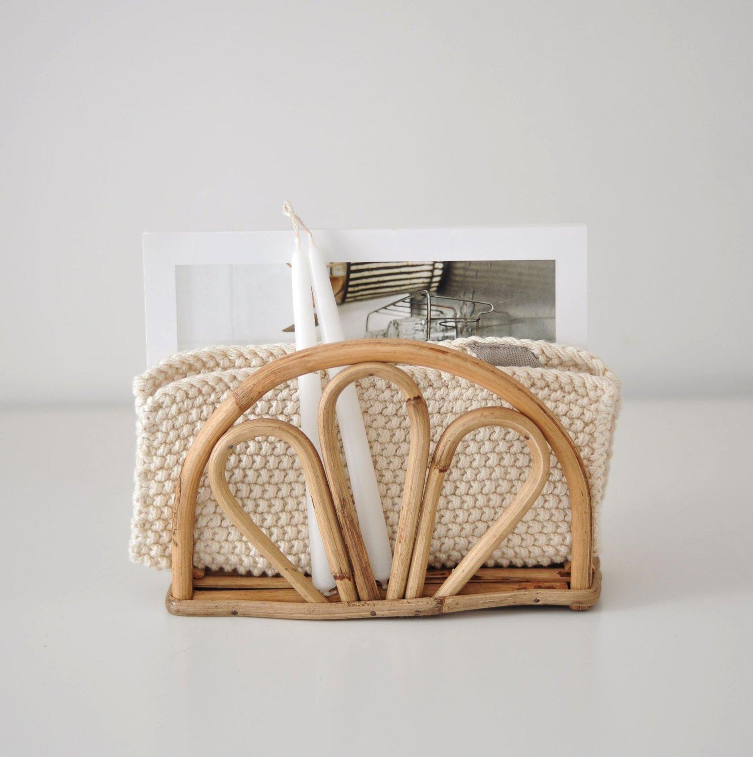 Image of Porte-serviettes en rotin // de retour en juin