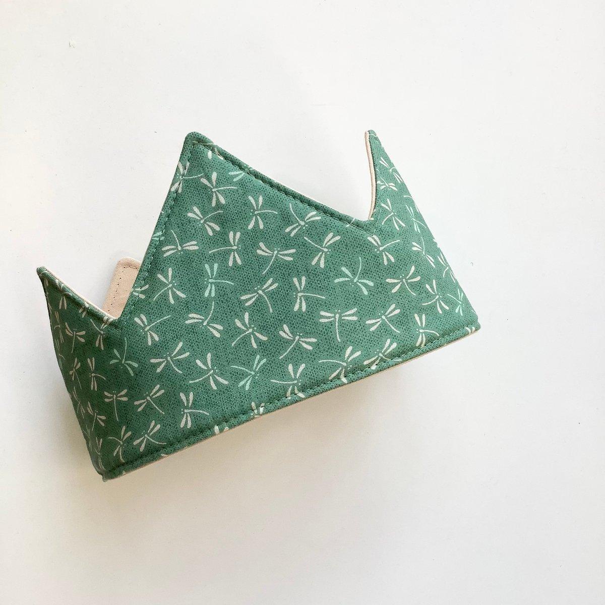 Green Ariel crown
