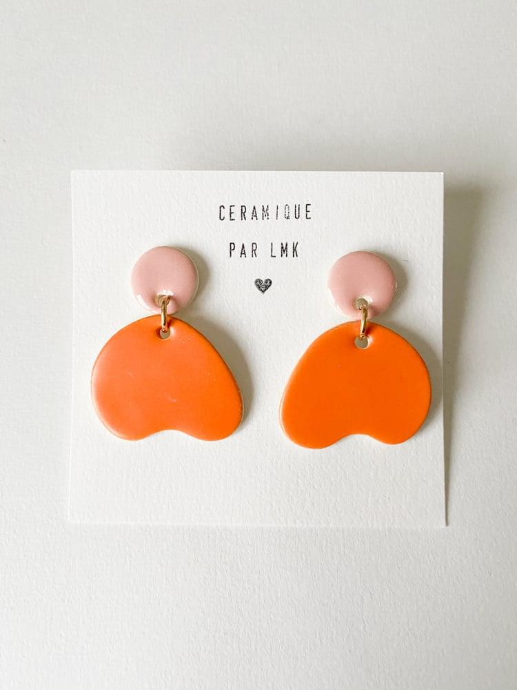 Image of Paire de boucles d'oreilles céramique DIDA rose et mandarine mat