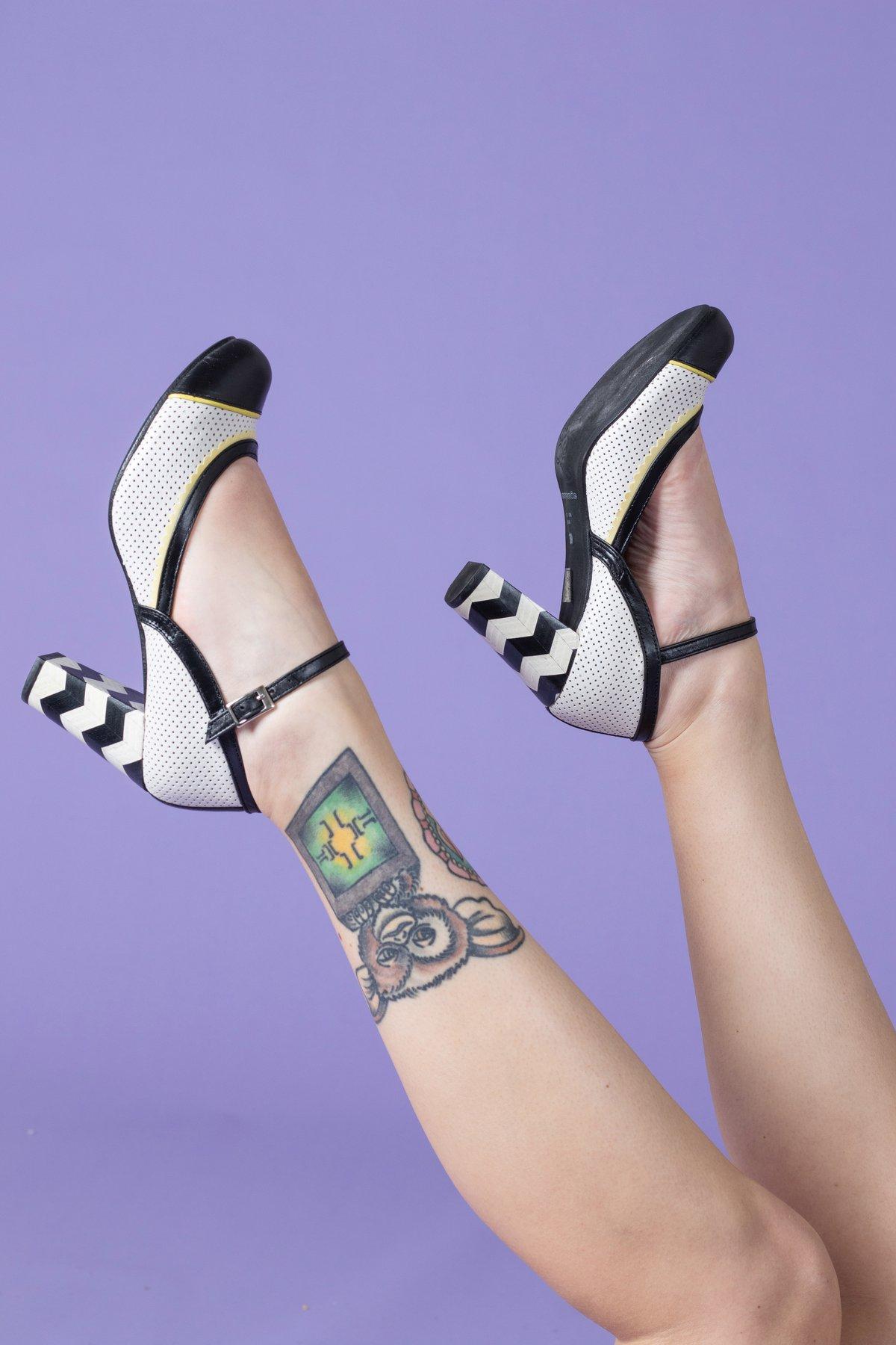 Image of REBAJAS-SALES -30% Zapato alto blanco y negro