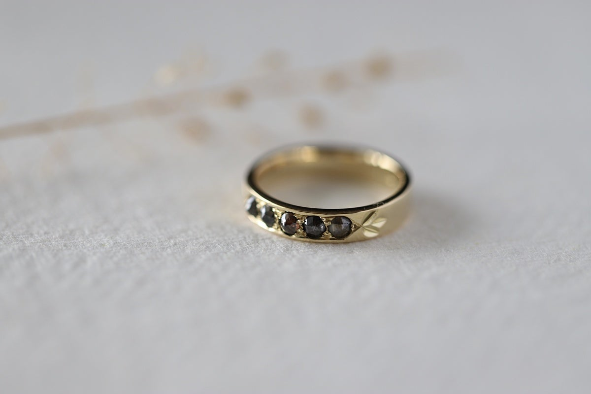 Image of 4mm 18ct gold rose-cut diamond semi-eternity ring