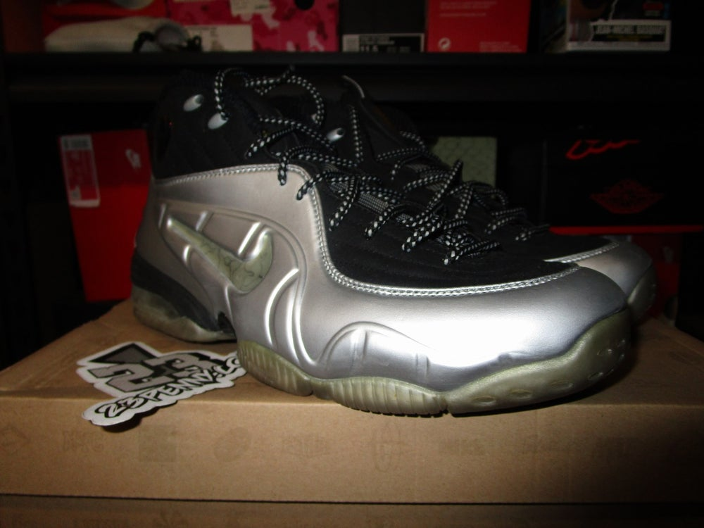 "Image of Nike 1/2 Cent ""Metallic Silver"" *PRE-OWNED*"