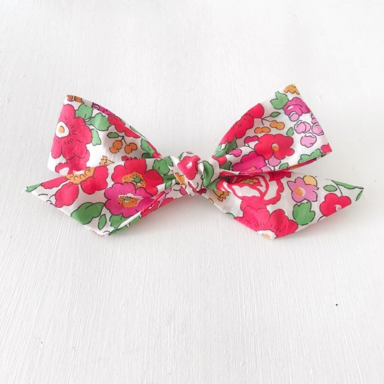 Image of Betsy Liberty Fabric Oversized Hair Bow