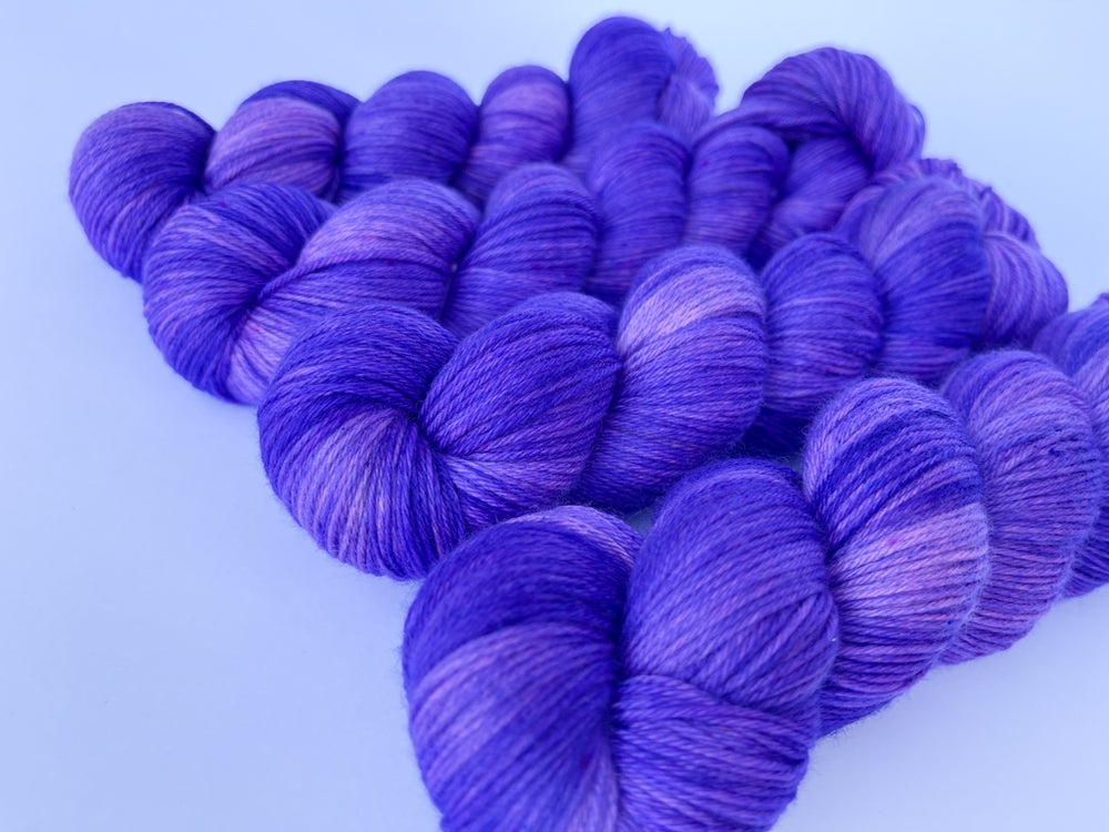 Image of Nube Fingering - Purple Rust