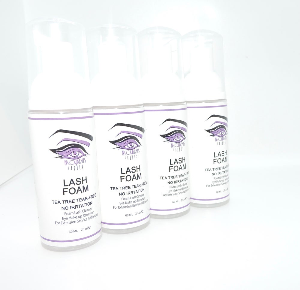 Image of Lash Extension Foam and shampoo brush
