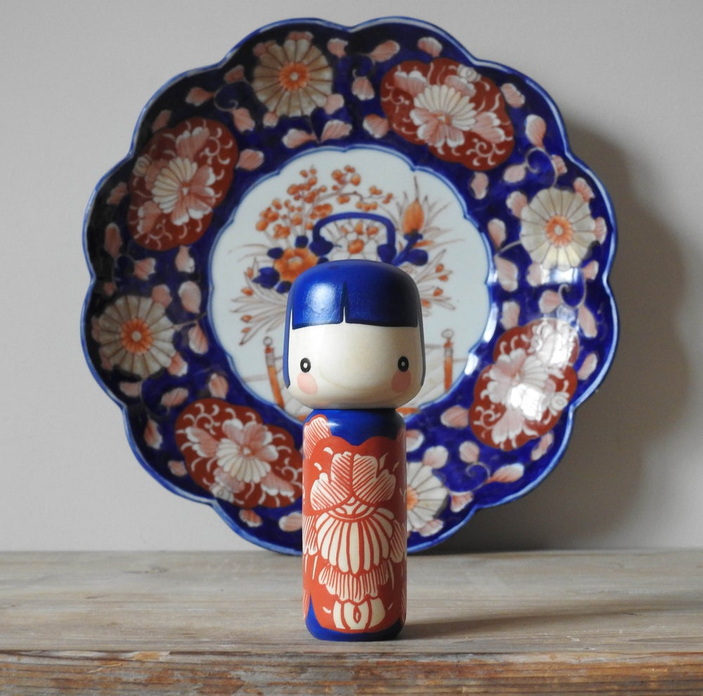 Image of ceramic girl - super imari!
