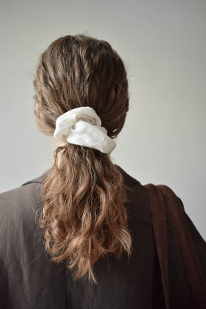 Image of Set Of 3 Pieces Linen and Velvet Hair Scrunchies