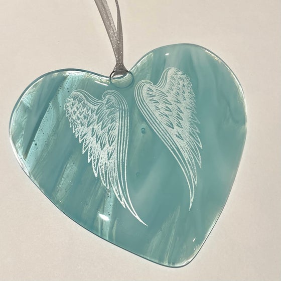 Image of Angel wings heart