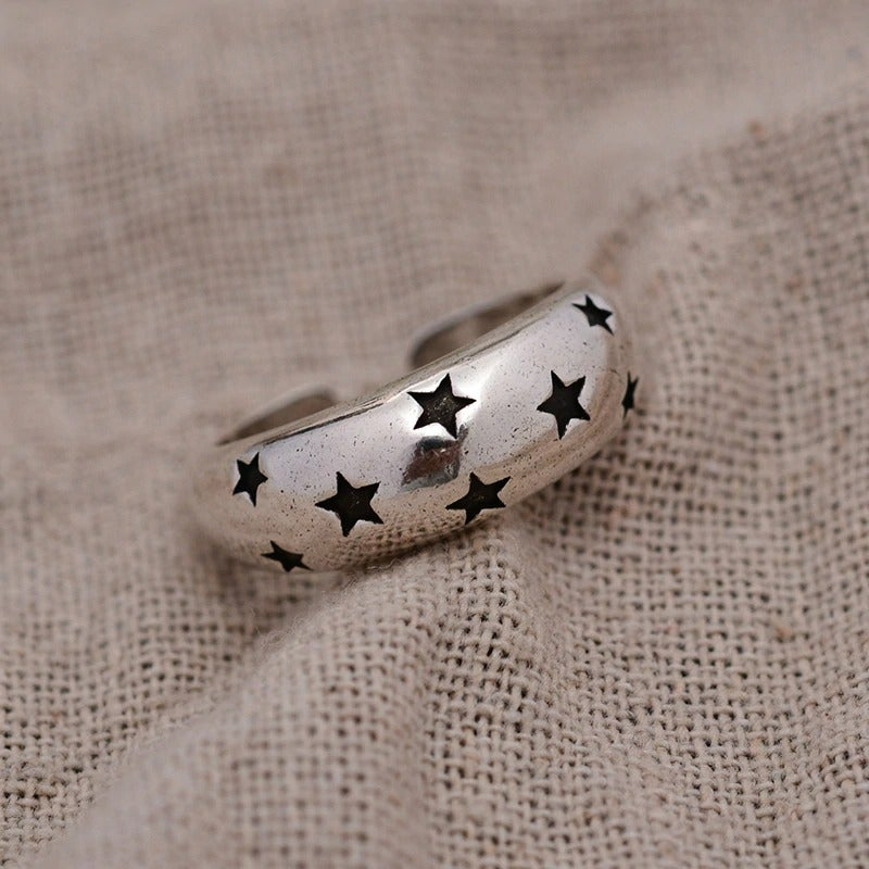 Elegant Black Stars Ring