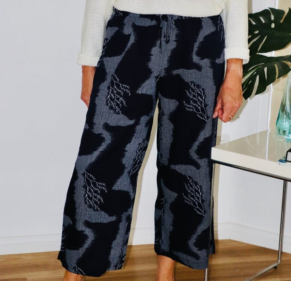 Image of  Anne Pants Navy tree Linen/Cotton