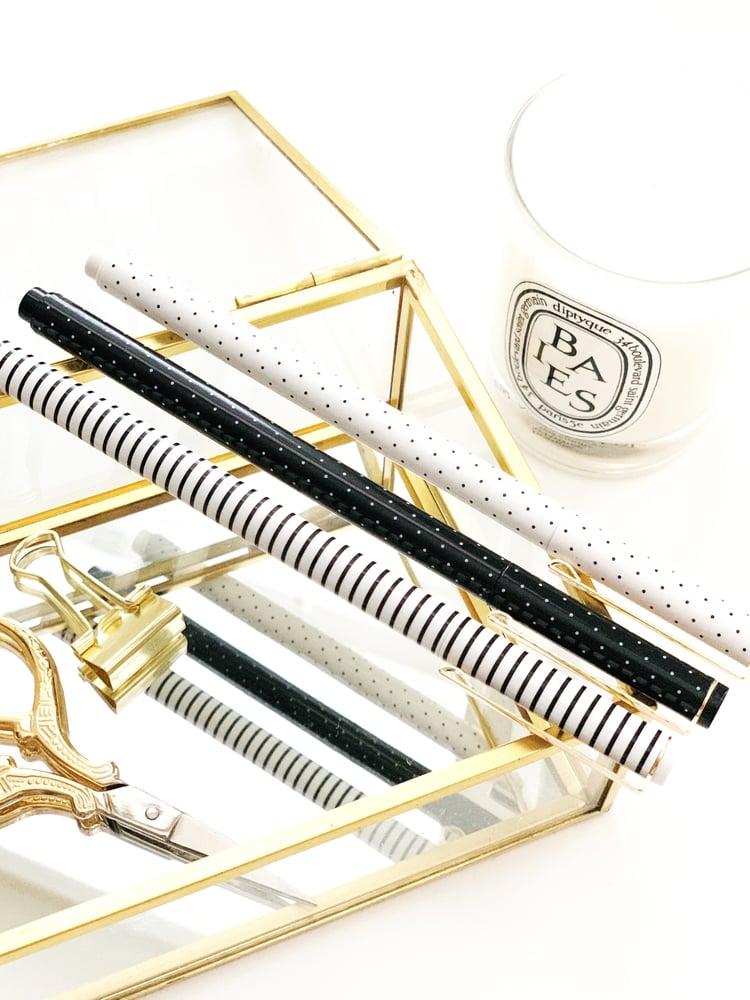 Image of Black & White Felt Tip Pens
