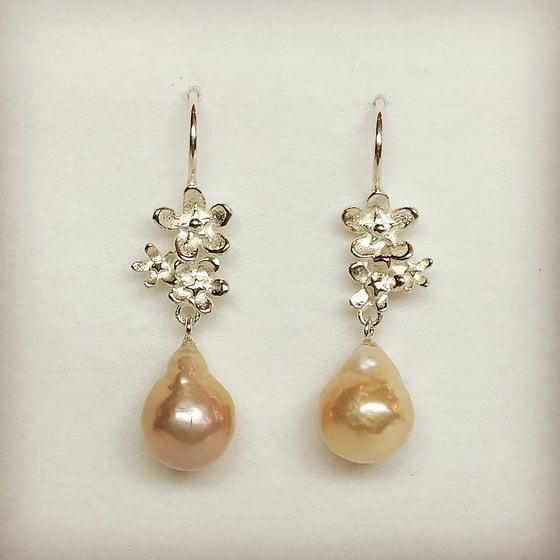Beeld van Forget-me-not pearls