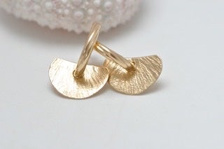 Image of Lily 9cts solid gold earrings