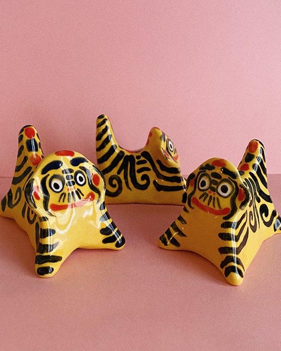 Image of Hariko no Tora ceramic figurine