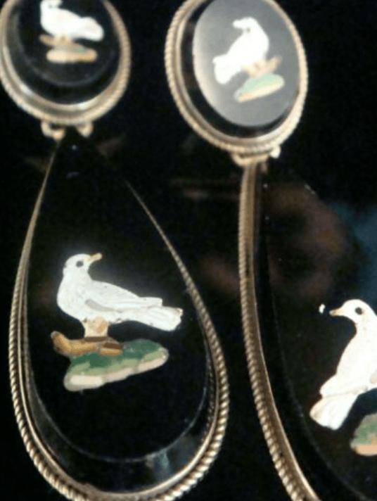 Image of Stunning Victorian Italian Micro mosaic 15ct 18ct yellow gold dove earrings