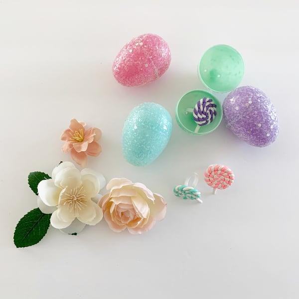 Image of Lollipop Ring in Glittered Easter Egg