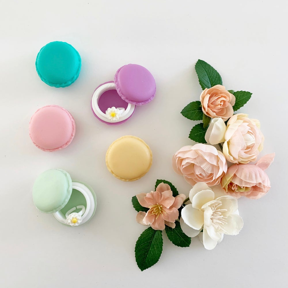 Image of Daisy Ring in Macaron