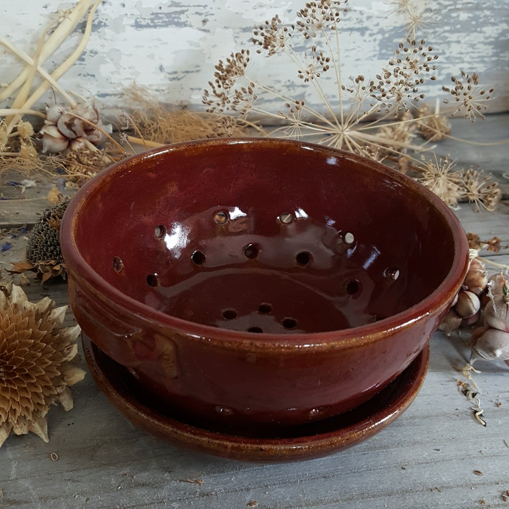 Image of Little Colander with Dish: Red Osier (Red)