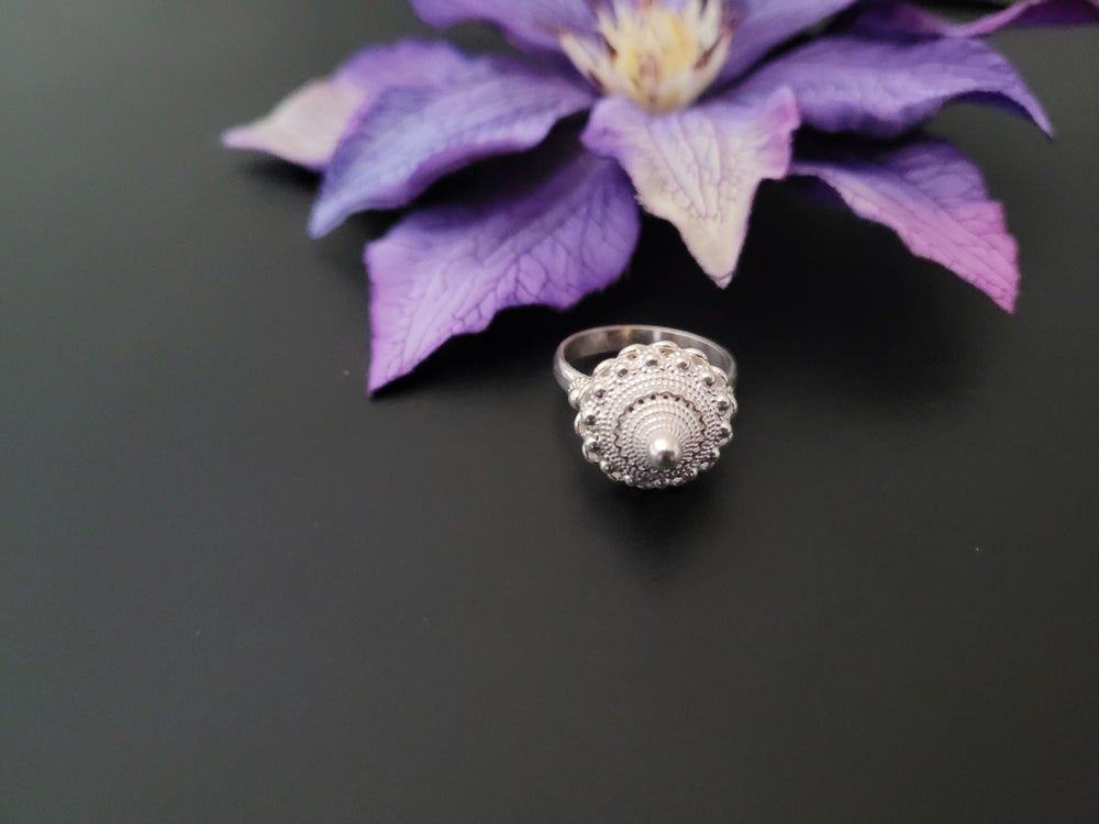 Medium Pobtsawb Ring