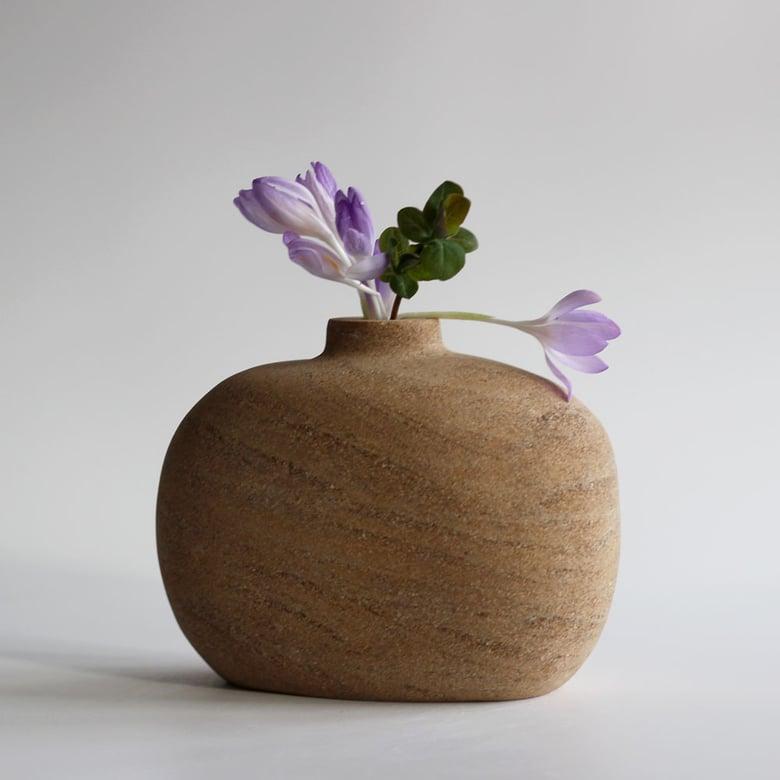 Image of Grits Vase - pebble shaped