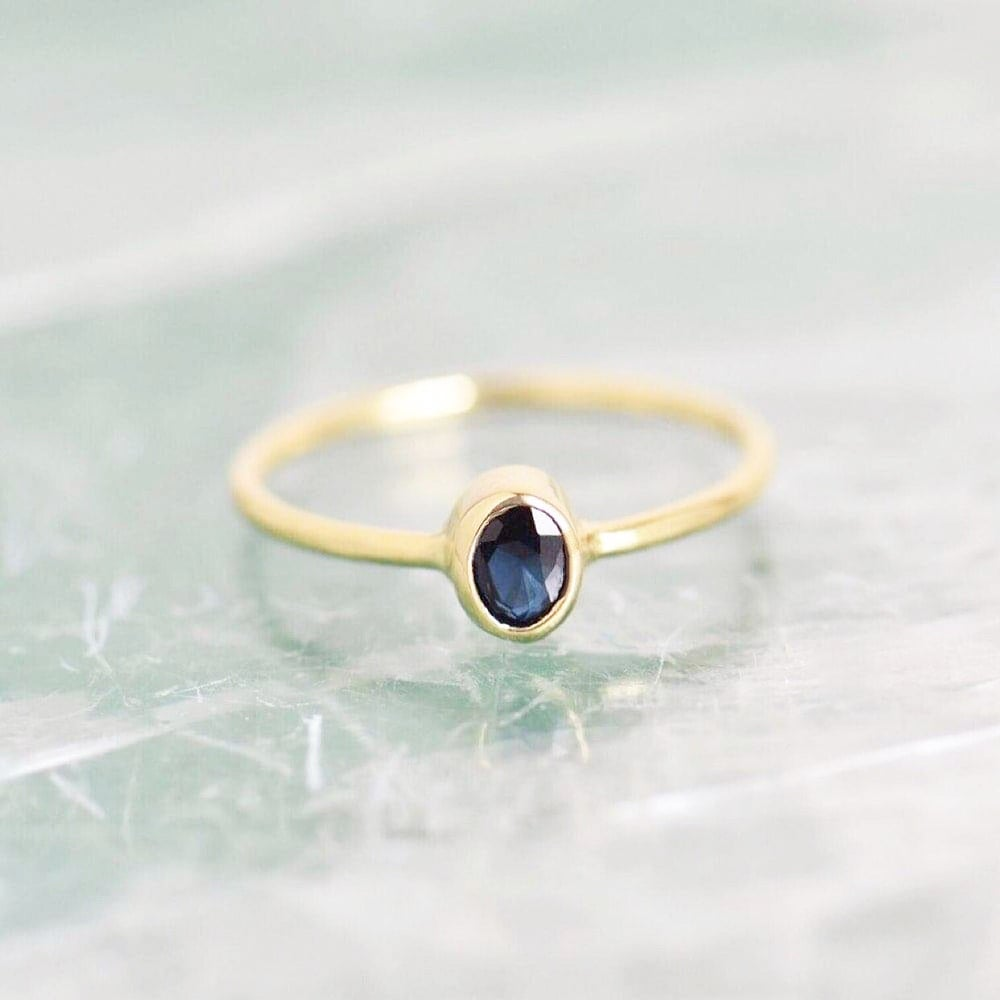 Image of Natural Blue Sapphire oval cut 14k gold ring