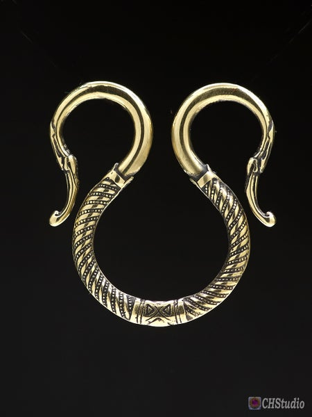 Image of Fastening ring with Dragon ends