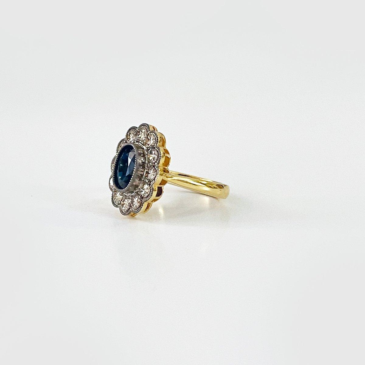 Image of D Heriloom sapphire ring