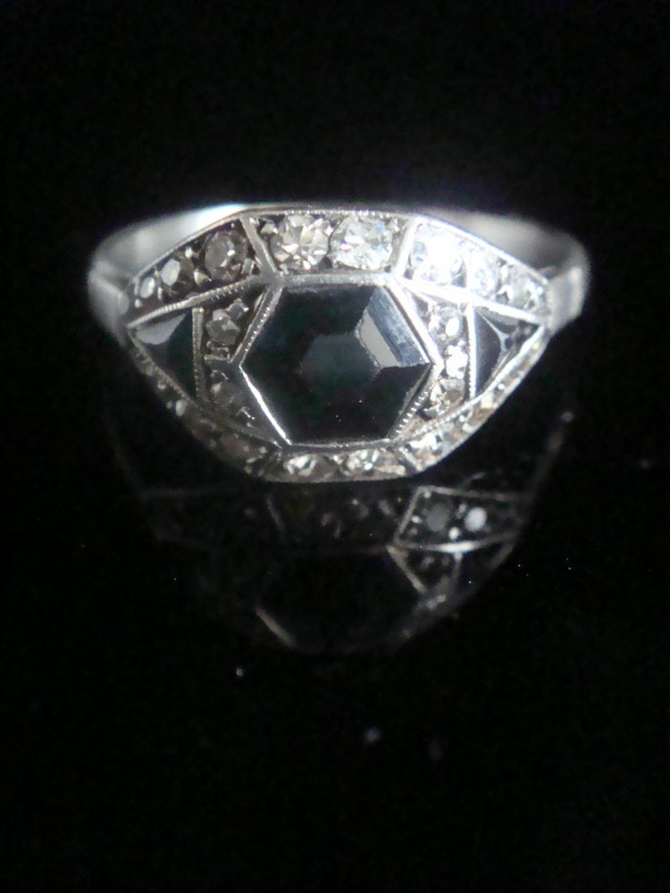Image of Art deco Platinum fancy cut natural sapphire and diamond 1920s ring