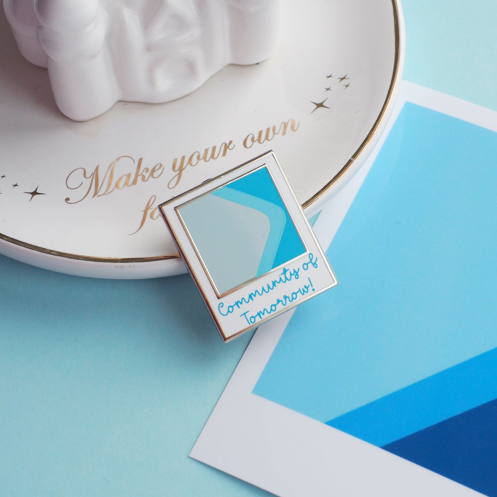 Image of Blueberry Wall Polaroid pin