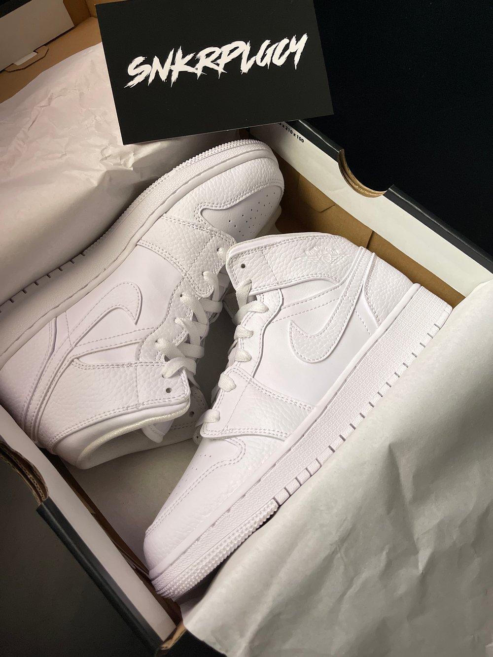 "Air Jordan 1 Mid ""Triple White"""