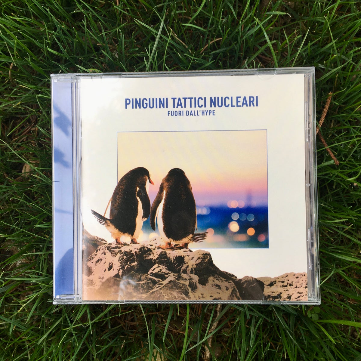 Image of Pinguini Tattici Nucleari - Fuori dall'hype (CD autografato)