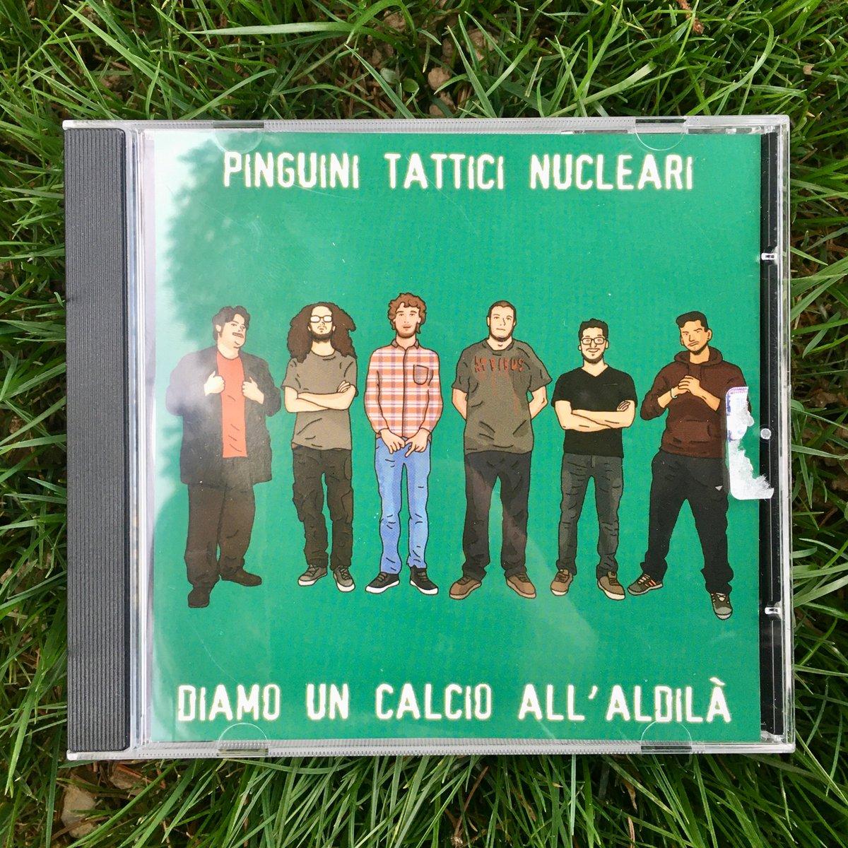 Image of Pinguini Tattici Nucleari - Diamo un calcio all'aldilà (CD autografato)
