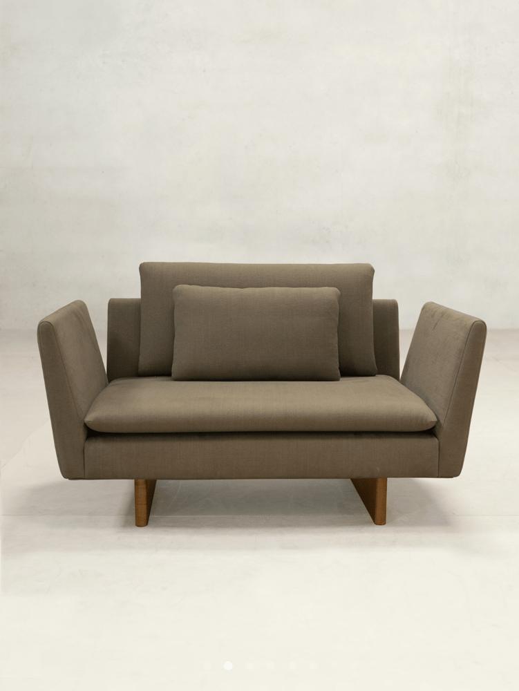 Image of x+l  sofa