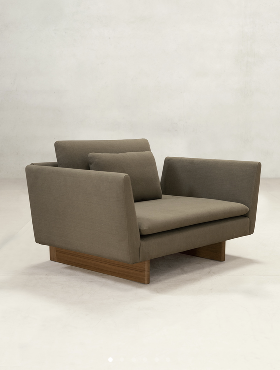 Image of x+l  sofa