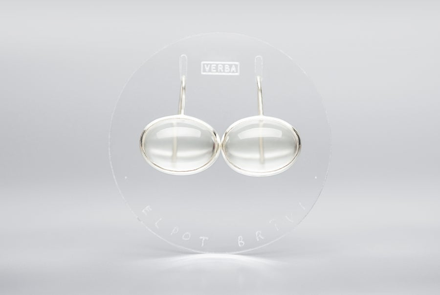"Image of ""To breathe freely"" silver earrings with rock crystals   · SPIRARE LIBERE ·"