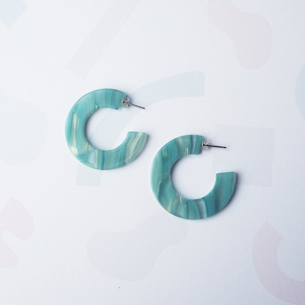 Image of *NEW* Murano Midi Hoop Earrings