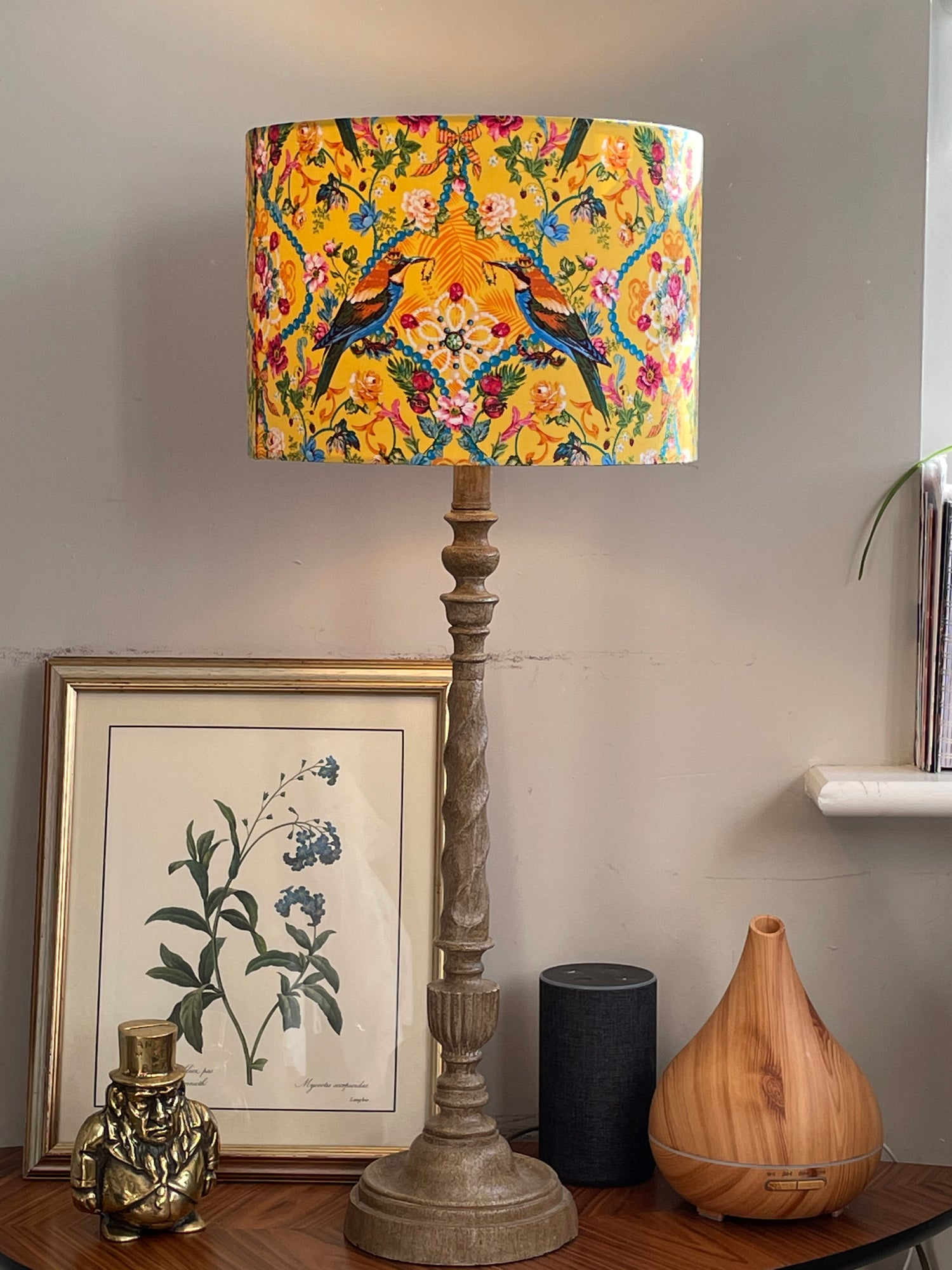 Image of The Queen's Jewels Small Gold Shade 30cm