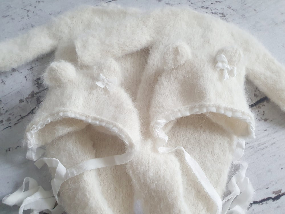 Image of Sitter footed rompers super soft with a matching pom pom bonnet. Ready to post