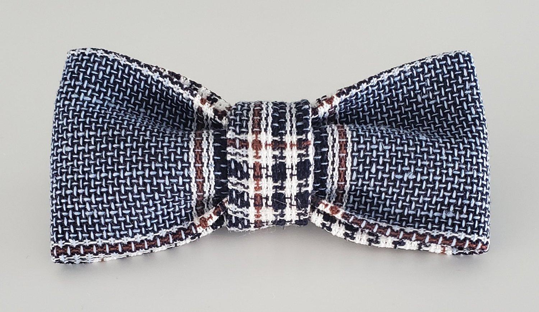 Image of Navy plaid bowtie