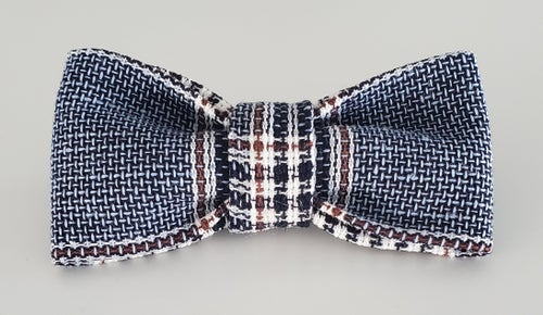 Image of Navy plaid bowtie