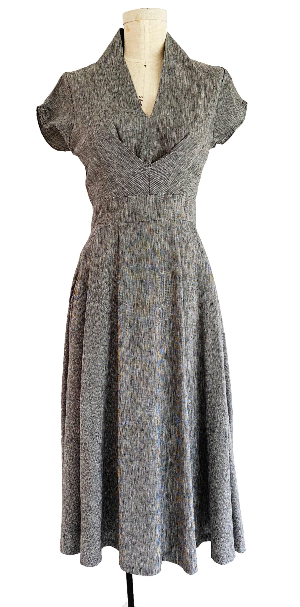 Image of Mona van Sues dress in salt and pepper