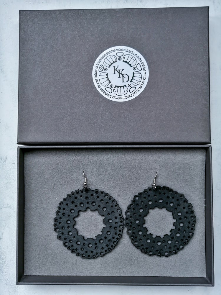 Image of LACE -EARRINGS