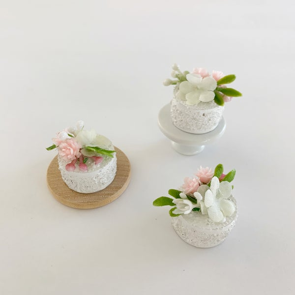 Image of Spring Cake with Florals