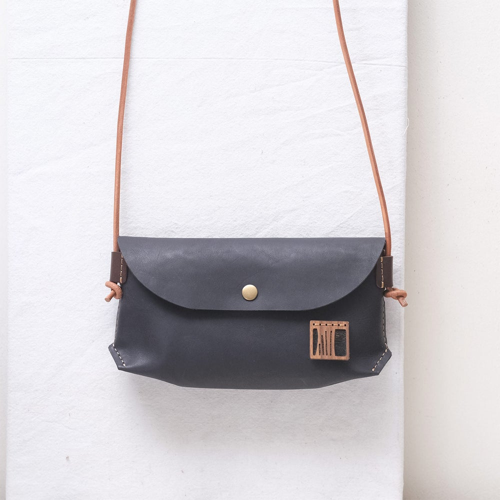 Image of Knotted Sling in black