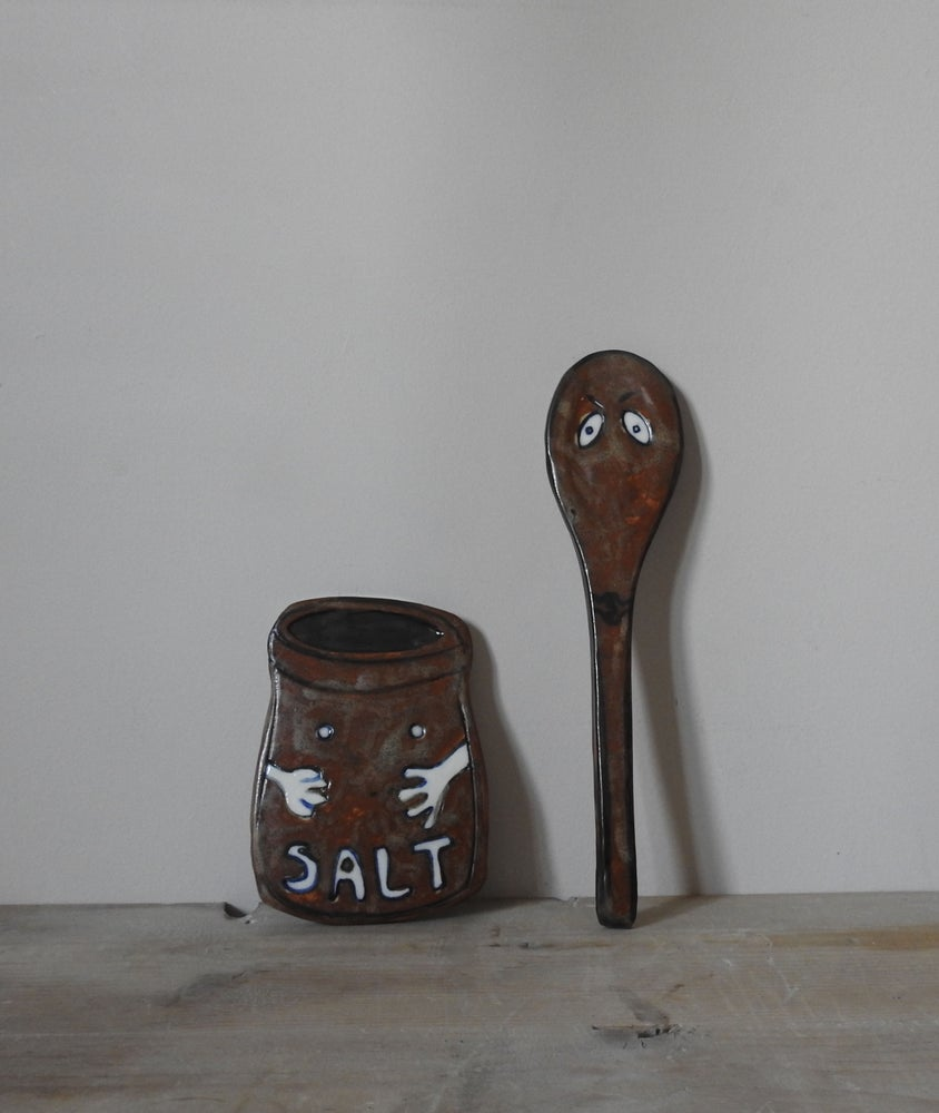 Image of salt pot & spoon