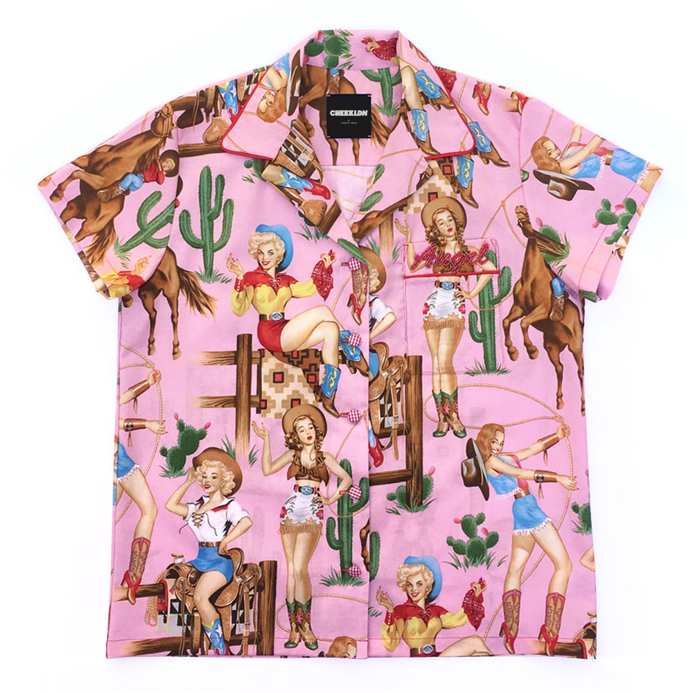 THE DOLLY SHIRT