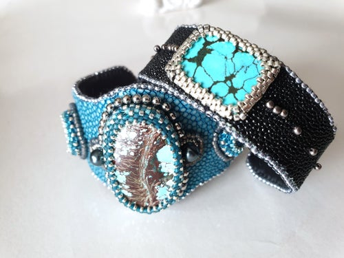 Image of Manchette Galuchat et turquoise